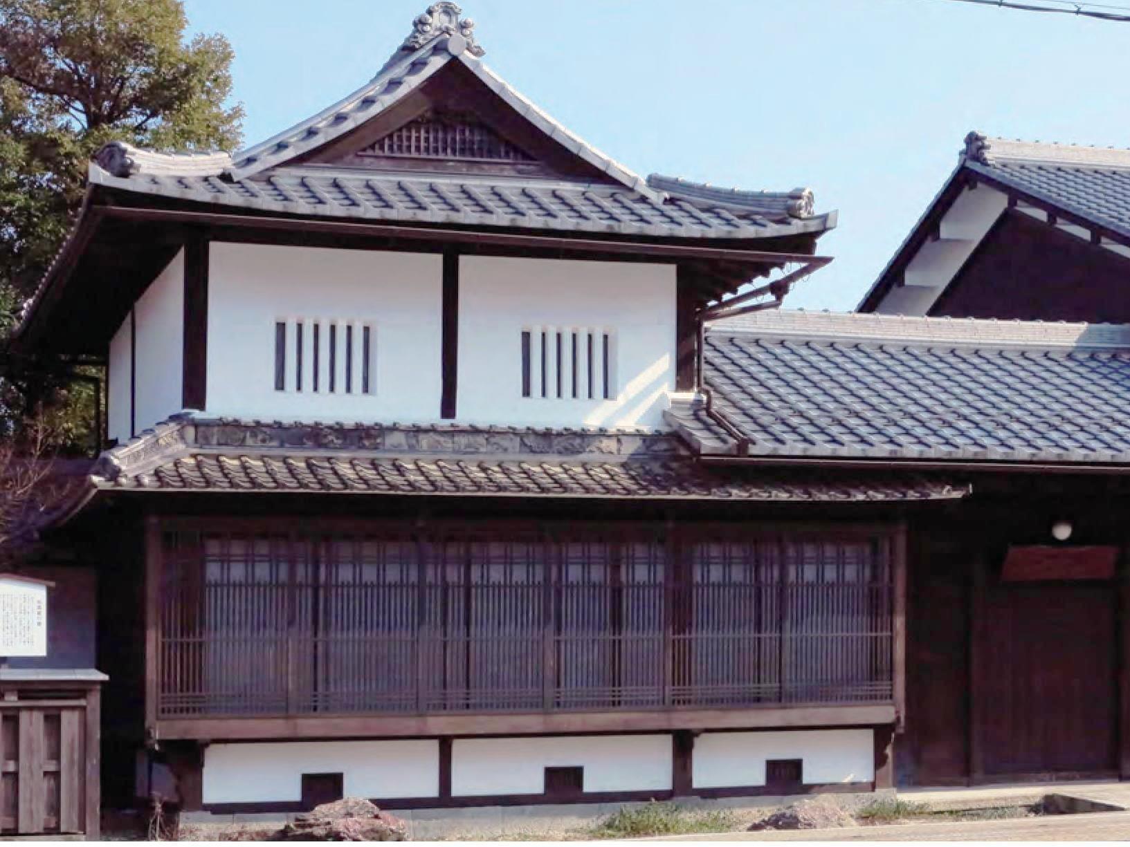 日本瓦いぶし銀1.jpg